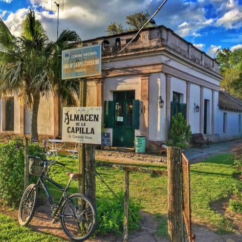 Colonia - Encanto y Vinos - Turismo Nacional