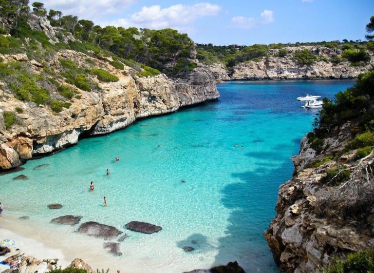 Catamaran o Velero por Islas Baleares