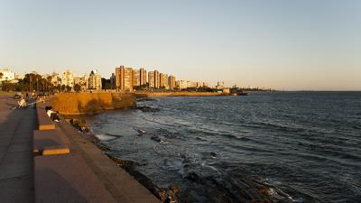 Montevideo By Regency (Paquete neto)