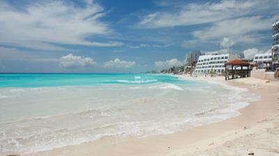 Cancún  by Riu - Copa Vacations